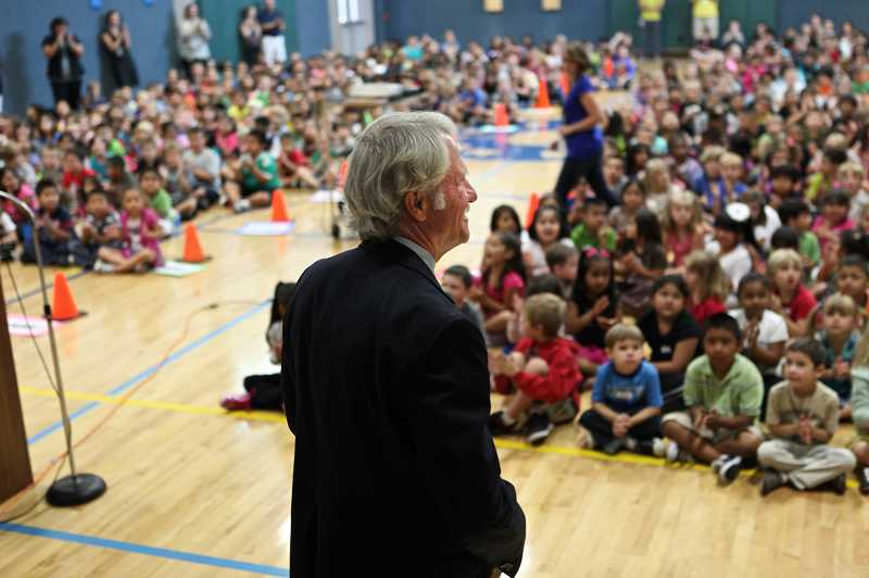 by: PHOTO BY JAIME VALDEZ - Oregon Governor John Kitzhaber welcomes students at Metzger Elementary School back to school in an assembly, Wednesday.