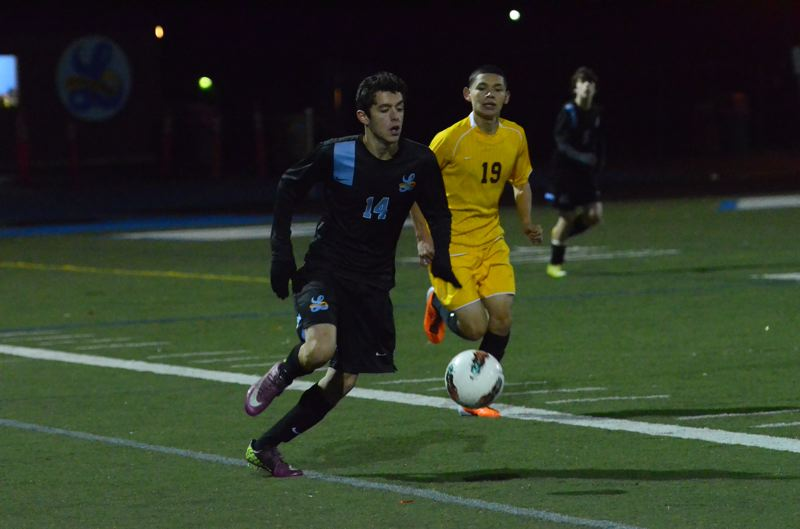 by: VERN UYETAKE - Sophomore Bruno Homedes returns on an experienced Lakeridge team that looks to make a run in the TRL this year.