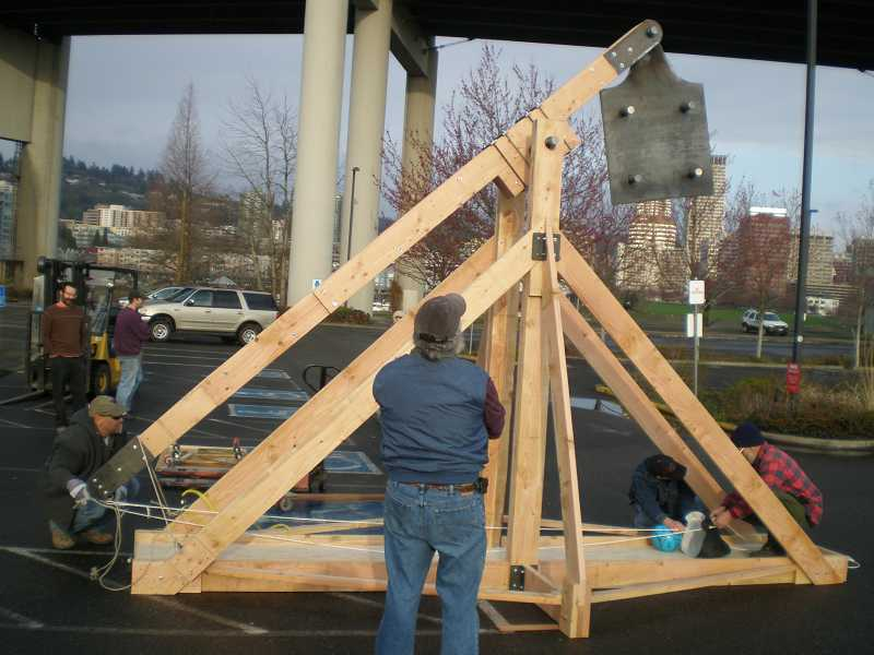 by: SUBMITTED PHOTO: OMSI - A 20-foot-tall trebuchet will be used to launch objects such as watermelons, pumpkins and jugs of water during this weekends events at the Oregon Museum of Science and Industry.The first launch will be at 10:30 a.m. each day, followed by launches every hour until 5:30 p.m.
