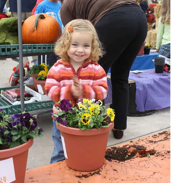 by: SUBMITTED PHOTO - The 17th Annual Kids Bulb Day is Oct. 13 at Al's Garden Center.