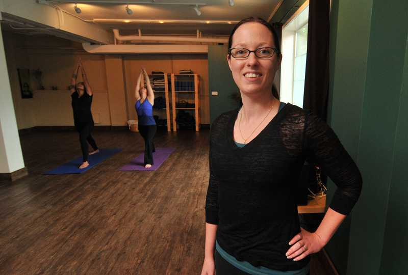 by: REVIEW, TIDINGS PHOTO: VERN UYETAKE - REVIEW, TIDINGS PHOTO: VERN UYETAKE