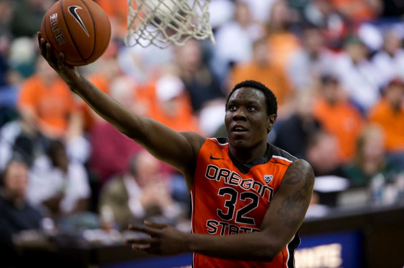 by: TRIBUNE PHOTO: CHRISTOPHER ONSTOTT - Jarmal Reid of Oregon State goes up for a layup at Portland State.