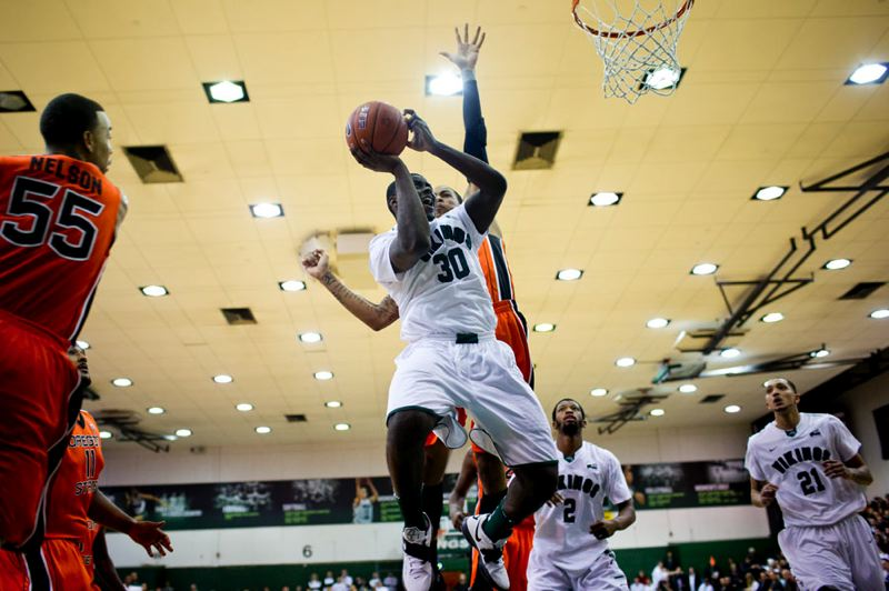 by: TRIBUNE PHOTO: CHRISTOPHER ONSTOTT - Portland State guard Renado Parker was 8 of 13 from the field against Oregon State.