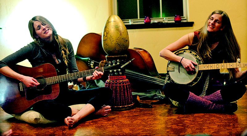 by: COURTESY OF SHOOK TWINS - The Shook Twins, Laurie and Katelyn, bring their quirky, harmony-filled folk-pop to Alberta Rose Theatre later this month, along with the David Grisman Bluegrass Experience.
