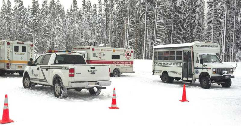 by: GARY KAHNE - Rescue crews work to locate three people who were lost on Mount Hood.