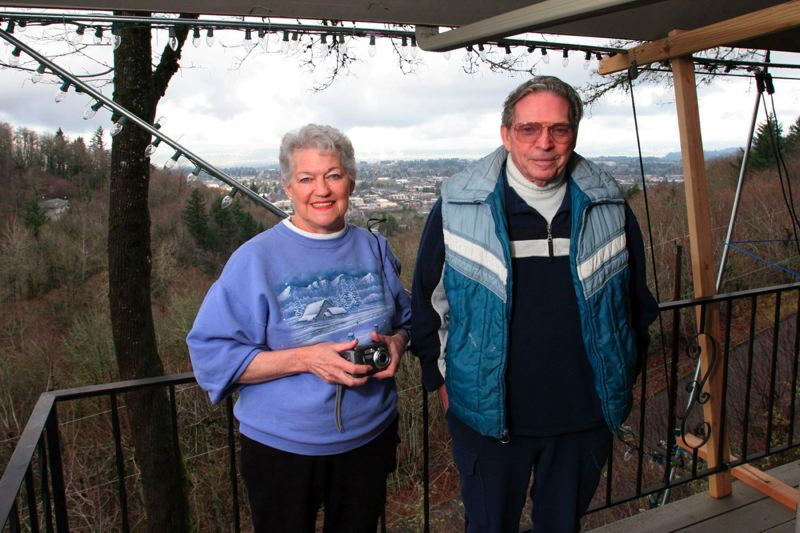 Sharon Wood and Jim Keeton are once again maintaining the tradition of Mel Holst's Christmas star.