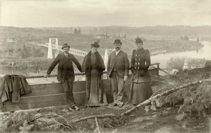 by: OLD OREGON PHOTOS/CLACKAMAS COUNTY HISTORICAL SOCIETY - 'Early West Linn area from Oregon City bluffs' by an unknown photographer, circa 1895.