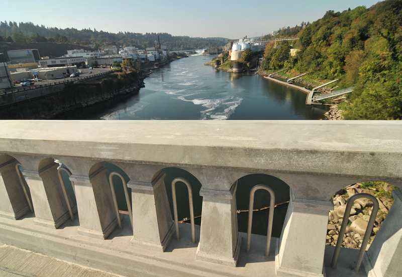 by: VERN UYETAKE - The city is seeking a Metro grant to help fund planning for a new vision of the arch bridge and Bolton area of West Linn.