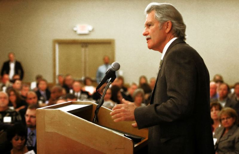 by: PAMPLIN MEDIA GROUP: JIM CLARK - Gov. John Kitzhaber will join the Portland School Board Monday, March 18, for a town hall meeting on education funding and other issues.