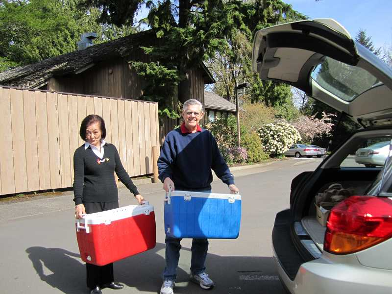 by: SUBMITTED PHOTO - The Lake Oswego Adult Community Center needs volunteers to help deliver hot meals for the Meals on Wheels program. The center delivers meals midday Monday, Wednesday and Friday.