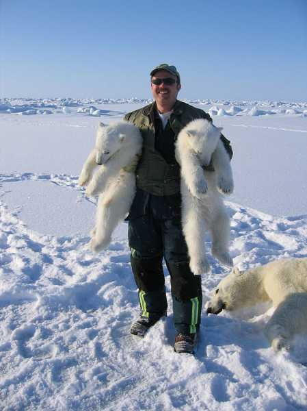 by: PHOTO COURTESY OF TOM SMITH - Wildlife biologist Tom Smith will discuss how climate change in the Arctic is affecting the way polar bears raise their cubs, when the Oregon Zoo kicks off its 'Evening with the Experts' lecture series on Thursday.