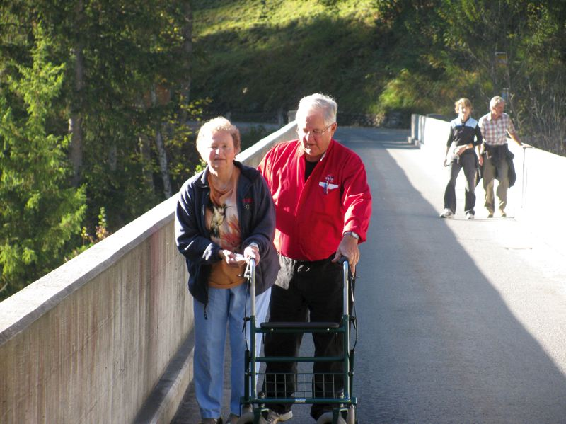 by: CHUCK NIGGLEY - Ever since Niggleys wife, Patsy, was diagnosed with Parkinsons disease 28 years ago, he has been her main caregiver. Despite her frequent need for a wheelchair and a walker, he often takes her on trips to keep her active and stimulated. Here they are in Switzerland.