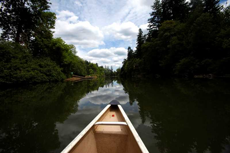 by: JONATHAN HOUSE - The Tualatin River offers a fantastic first experience for would-be kayakers and canoists, looking for a mellow current to practice in.