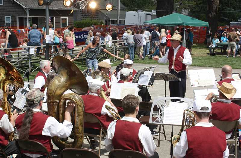 by: WOODBURN INDEPENDENT - The 40th annual Hubbard Hop Festival will be this Saturday, featuring live music at the event, which will be kicked off by the Marion County Citizens Band at noon at Hubbard's Rivenes Park.