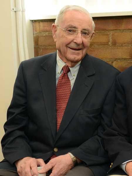 by: SUBMITTED - Former Oregon Gov. Victor G. Atiyeh will speak at the Lake Oswego Republic Women's Club meeting Sept. 17.