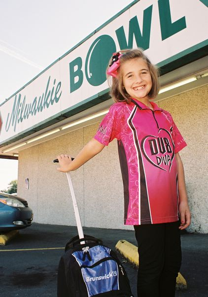by: JOHN DENNY - Natalie Savants passion for the sport of bowling brought her to Milwaukie Bowl on Oct. 5, her 28th stop on a nationwide tour. Natalie said she chose Milwaukie Bowl as the place to bowl in Oregon because it is where her favorite professional bowler, Shannon OKeefe, learned to bowl.
