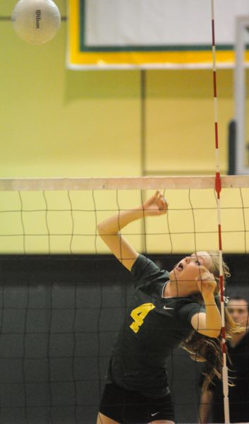 by: MATTHEW SHERMAN - Kamelah Noel and the West Linn volleyball team earned a split in the season series with Oregon City last week, knocking off the Pioneers in straight sets. The Lions would lose to Clackamas in straight sets on Tuesday and finished in fourth place in the TRL. West Linn will host a play-in game with the winner making the 32-team bracket.