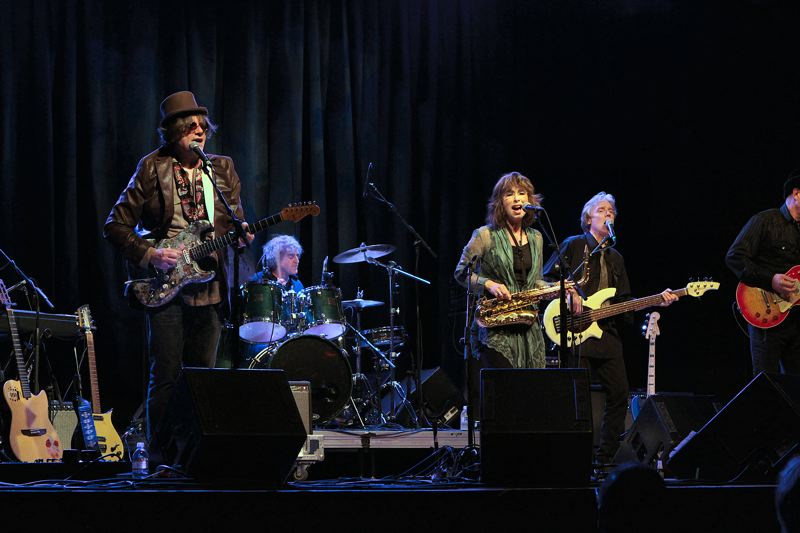 by: DAVID F. ASHTON - With Sellwoods Marv Ross and Rindy Ross singing, Quarterflash rocks the 2013 Oregon Music Hall of Fame awards concert.