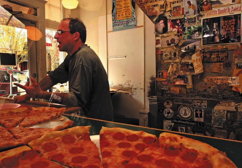 by: TRIBUNE FILE PHOTO: L.E. BASKOW - Escape From New Yorks Phil Geffner says he never looks at online reviews of his restaurant and puts more faith in what customers tell him face to face.