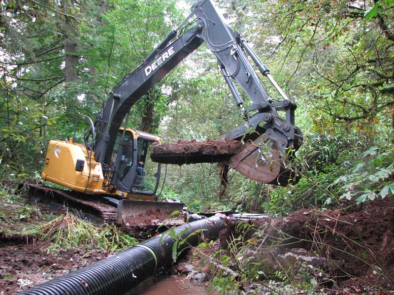 by: CCSWCD - Last month a dam was removed and constructed log jams were installed on Corral Creek west of Wilsonville.