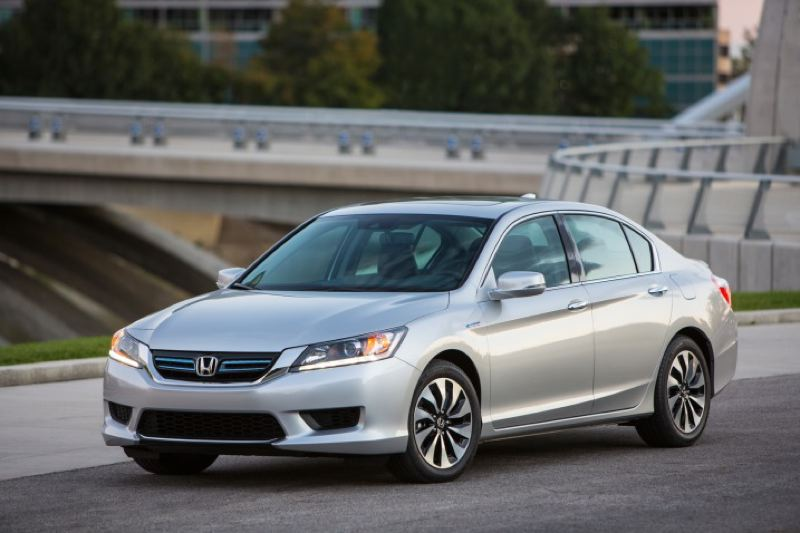 By: HONDA AMERICA MOTOR COMPANY   The 2014 Honda Accord Hybrid Features  Next Generation