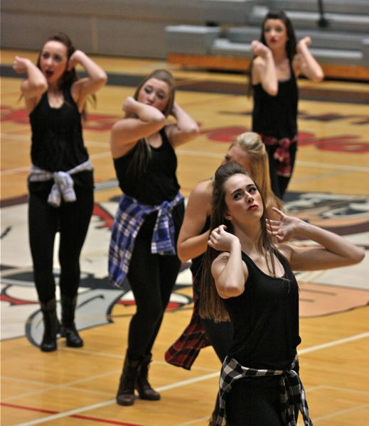 West Linn High School Debutantes Hip Hop routine