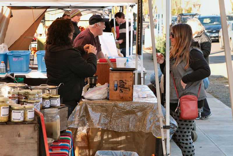 by: DAVID F. ASHTON - Devotees of farmers markets will have the Winter Market in Sellwood to visit every Sunday throughout the winter.