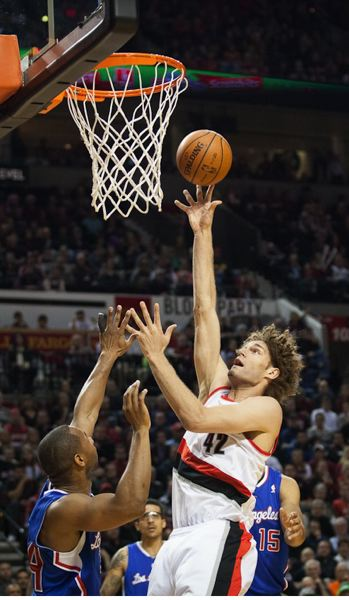 Robin Lopez works inside for a shot.