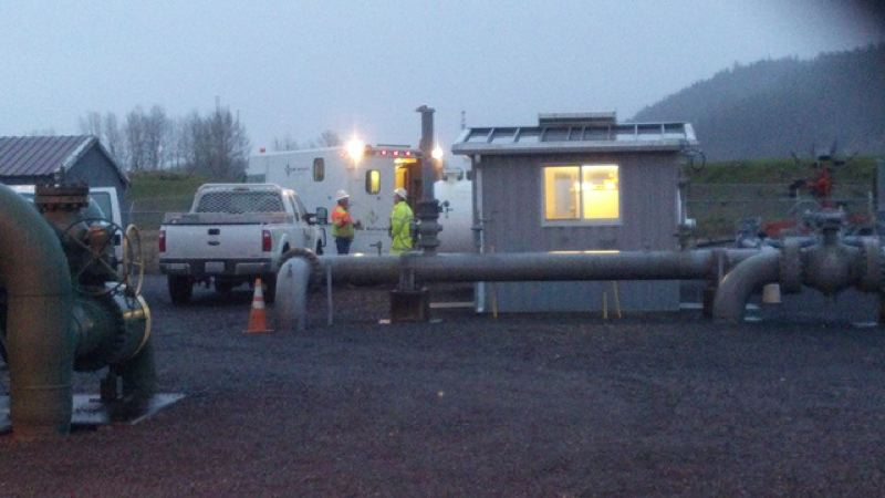 by: KOIN 6 NEWS - Crews work to repair a natural gas leak to a major pipeline on Sauvie Island that forced the evacuation of several homes Friday morning.