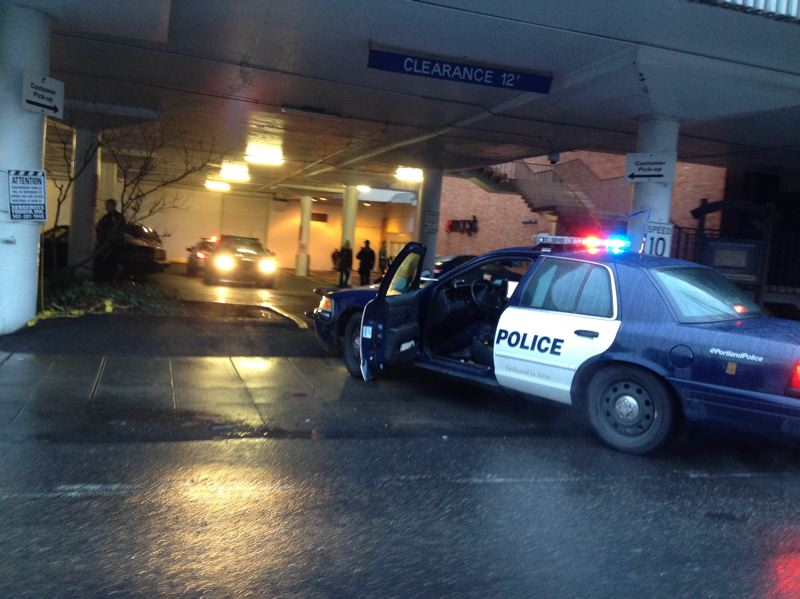 by: PAMPLIN MEDIA - Portland police respond to a stabbing at the Lloyd Center Mall on Wednesday afternoon.