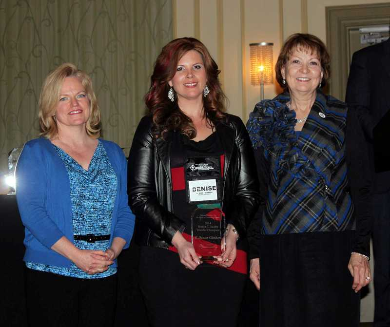 by: COURTESY PHOTO: PACIFIC UNIVERSITY - Janet Marling, executive director of the National Insitute for the Study of Transfer Students, celebrates with Pacific Universitys Denise Price-Giesbers (center) and institute founder Bonita Jacobs at a ceremony honoring winners of a transfer champions award.