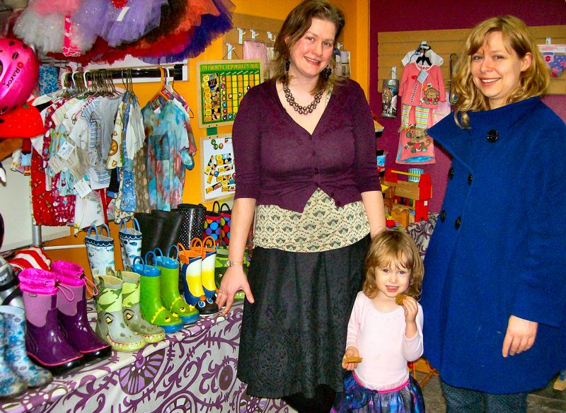 Used kids clothes store. Clothing stores online