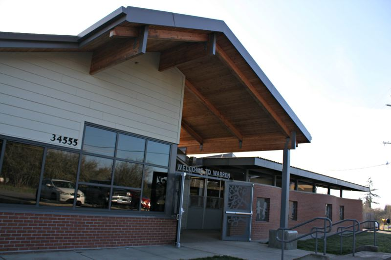 by: FILE PHOTO - Warren Elementary is open to receive 100 students through open enrollment this month. As of March 10, 14 students from outside the district have signed up to attend the school.