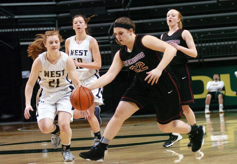 by: DAN BROOD - FAST BREAK -- Sherwood's Gabby Johnson (22) looks to get the bal up court ahead of West Albany's Alyvia Sams.