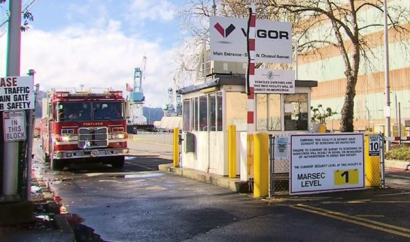 by: KOIN NEWS 6 - Portland Fire & Rescue helped a man who was severely injured when he fell at a ship in dry dock in Portland.