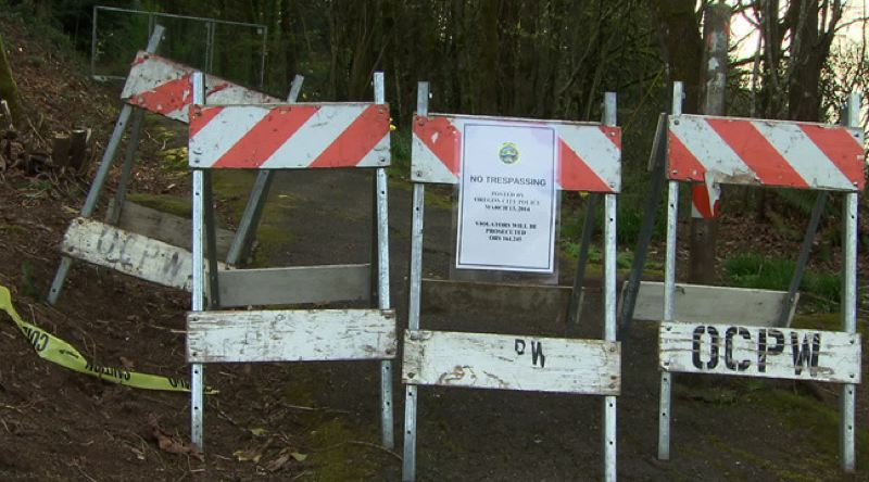 by: KOIN 6 NEWS - Oregon City closes Waterboard Park after a boulder tumbles in the popular spot for runners.