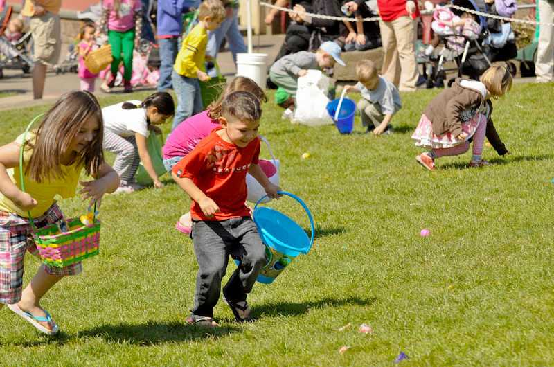 by: SUBMITTED PHOTO: OREGON ZOO - Kids take off in search of candy eggs during the Oregon Zoo's annual spring celebration, Rabbit Romp. This year's event takes place Saturday from 9 a.m. to 3 p.m.