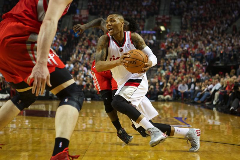 Damian Lillard shifts into drive for the Blazers.