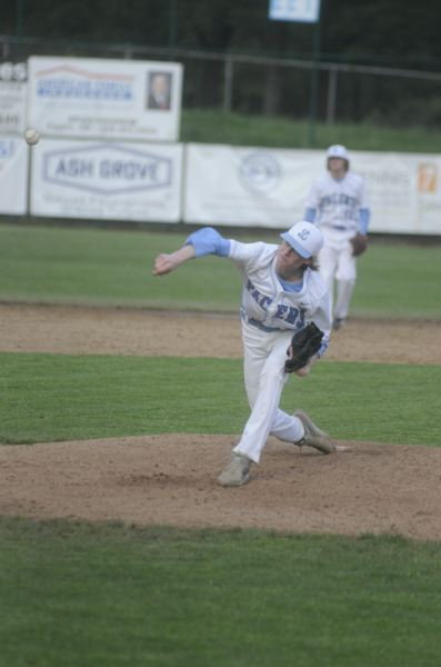 by: MATTHEW SHERMAN - Lakeridge pitcher Mitch Maynes hurled his second straight complete game Monday in an 11-3 victory over Oregon City.
