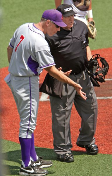 by: COURTESY OF LINFIELD COLLEGE - Coach Scott Brosius Linfield Wildcats were ranked No. 1 in NCAA Division III going into the national tournament, and the team will return two All-American pitchers in 2015.