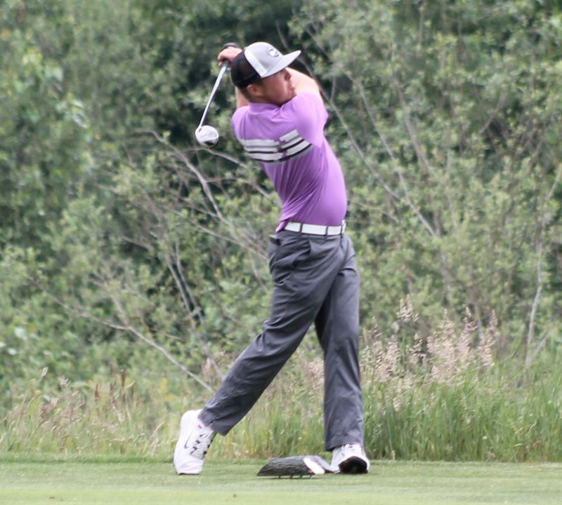 by: JIM BESEDA/MOLALLA PIONEER - Justin Kadin birdied three of the final seven holes and finished at 3-under 139 to take top honors at the Callaway Golf Invitational at Arrowhead Golf Club.