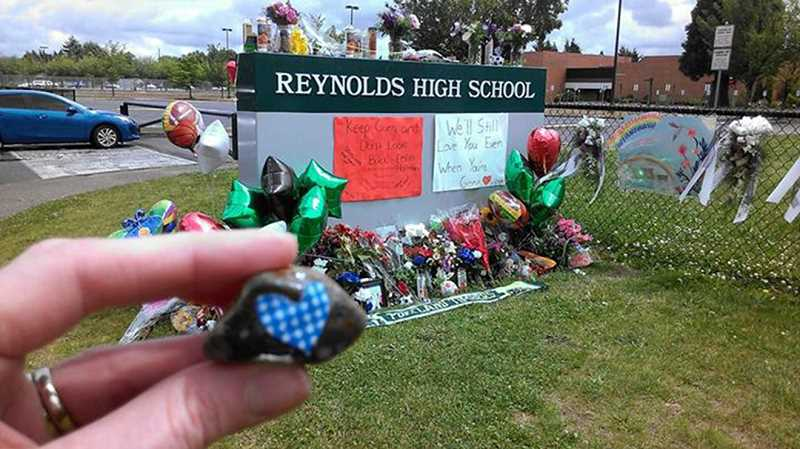Love Rocks join the memorial at Reynolds High School, where two freshmen died in a school shooting. Thank you for coming to our community, a resident wrote on the Love Rocks Facebook page. I have 2 daughters that attend Reynolds and were there when this tragedy happened.