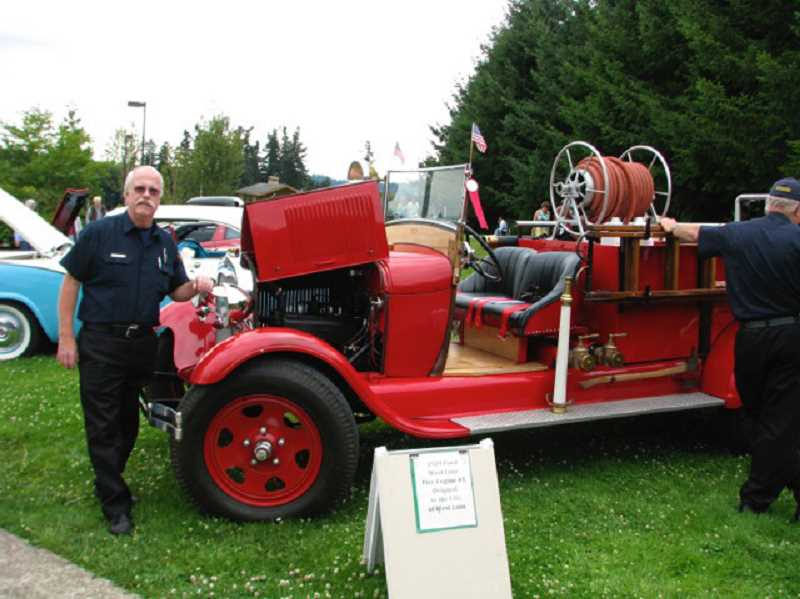 by: SUBMITTED PHOTO - Classic cars and West Linns Fire Engine No. 1 will be displayed at the Spaghetti Dinner Fundraiser planned for Aug. 8.