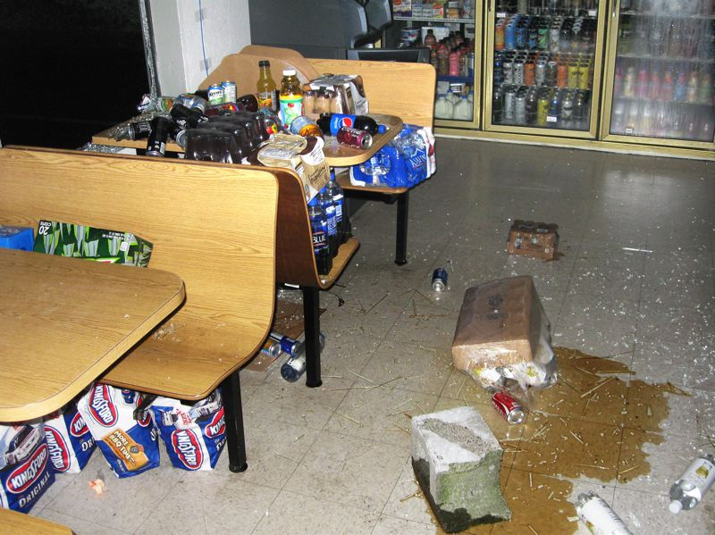 Photo Credit: CONTRIBUTED: MULTNOMAH COUNTY SHERIFF - The 76 Station on Southeast Orient Drive was trashed by burglars who stole thousands of dollars worth of merchandise.