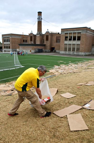 Photo Credit: TRIBUNE PHOTO: JAIME VALDEZ - Chapman School watching the annual phenomenon continue to grow to 3,000 or more. That leaves Chapman head custodian David Gardnerwith a huge cleanup job every morning.