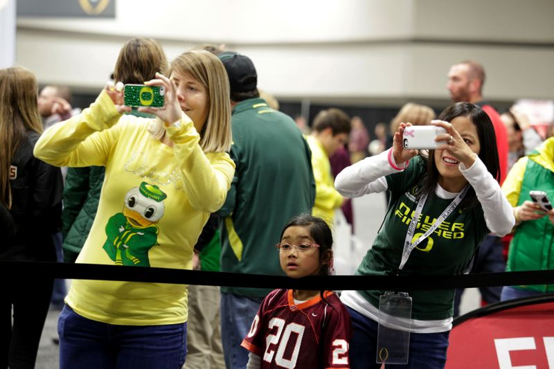 Photo opps abound for Oregon fans.