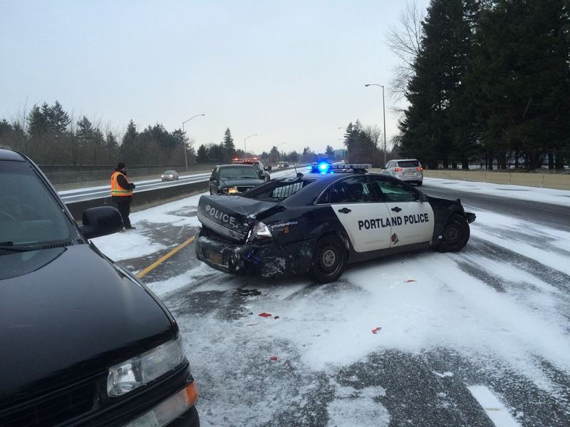 Portland Police Bureau A North Precinct Officer Suffered Minor Injuries In This Sunday Morning Crash