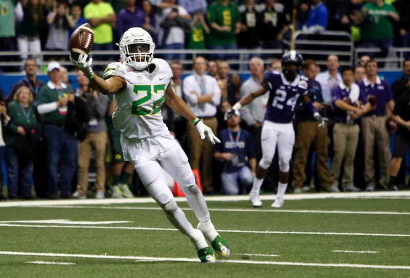 COURTESY: ANDY NELSON/THE REGISTER-GUARD - Oregon receiver Darren Carrington can't reach a pass when wide open in the second OT of the Alamo Bowl at San Antonio, Texas on Saturday.
