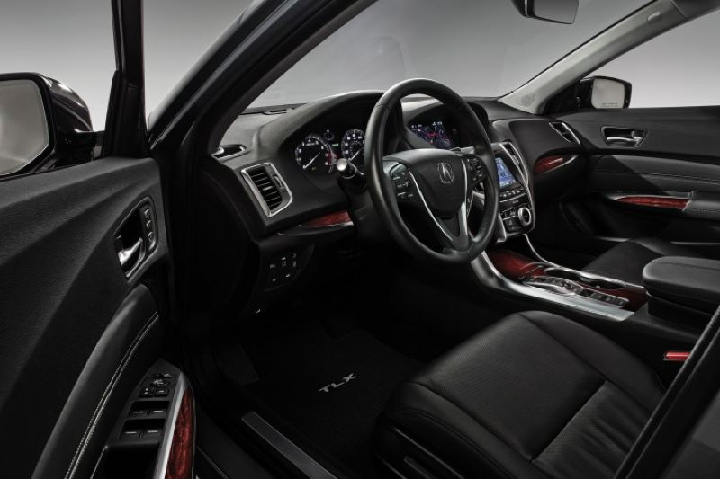 AMERICAN HONDA MOTOR COMPANY - The 2016 Acura TLX offers everything the buyer if a luxury sport sedan experts in terms of comfort and convenience.