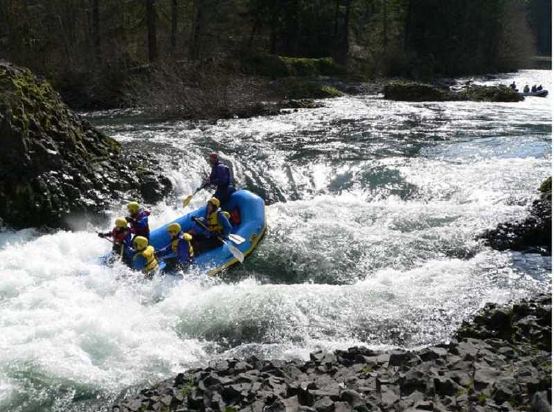 BLUE SKY RAFTING - Baby Bear Rapids in the Molalla River Recreation Corridor